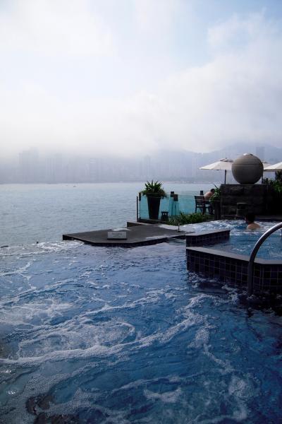 【朝のお散歩アベニューオブスターズ、インターコンチのジャグジーでまったりTime】煌きと美食で優雅に酔いしれて★香港