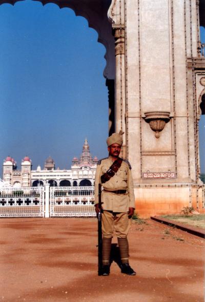 MYSORE (マイソール)で観たインド一の大金持ちの家 「マハ−ラジャ宮殿 」