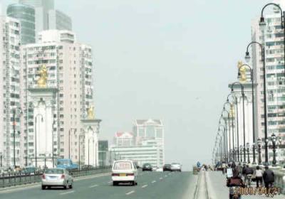 上海の蘇州河・外白渡橋改装