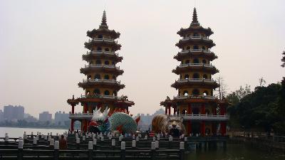 蓮池潭 龍虎塔の観光