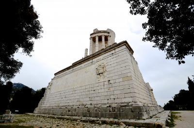 南仏ローマ遺跡をめぐる旅 【4】アルプスのトロフィー