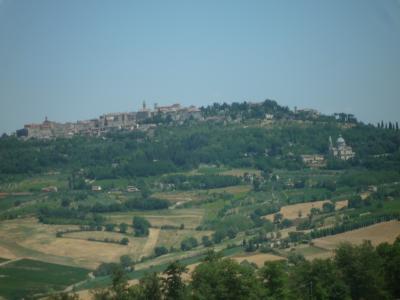 トスカーナの美しい丘~オルチャ渓谷、モンテプルチャーノ♭