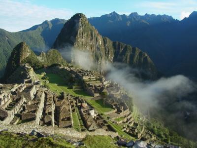 ペルー旅行記⑤ 超早起きして良かった!快晴のマチュピチュに架かる雲海!スゴー(@◇@)