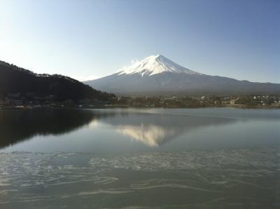 湖山亭うぶやから眺める河口湖冬花火
