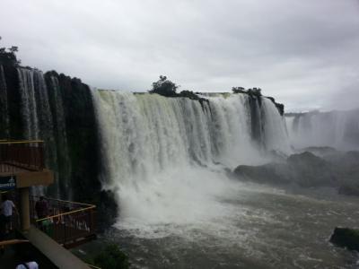 南米4カ国周遊:ほぼブラジルの旅④大雨のイグアスの滝