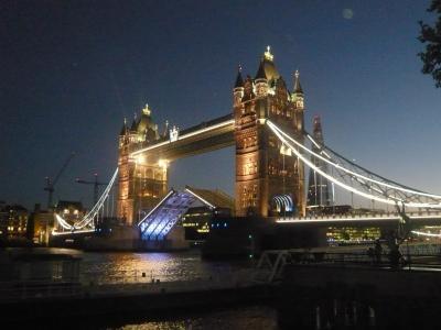 夜景が綺麗すぎるロンドン - ダブルデッカーとクルーズを楽しむ