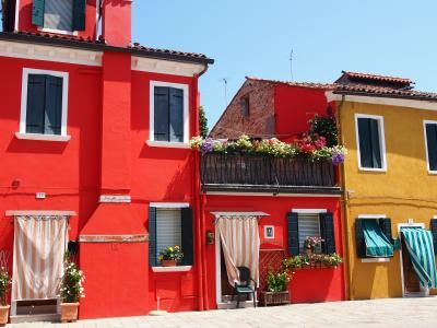 花の都と水の都と パリ・フィレンツェ・ヴェネチア(11)太陽に輝く絵本のような島 ブラーノ島