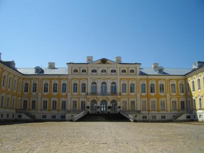 夏のバルト三国&ヘルシンキ 4カ国を巡る旅<その6> ルンダーレ宮殿(ラトビア)