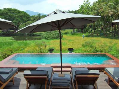 タイ チェンマイのリゾートへ                               「 Four Seasons Resort Chiang Mai 」