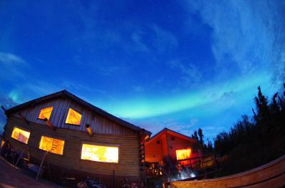 秋のアラスカにオーロラと大自然をもとめて(オーロラロッジで見た!編)