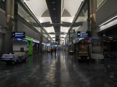 弾丸アメリカ1408  「深夜のマイアミ空港で、3時間のディレイ」   ~シアトル&マイアミ~