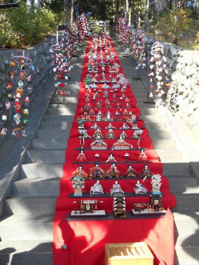 伊豆稲取「素盞鳴(すさのお)神社雛段飾り」&「雛のつるし飾りまつり」