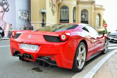 モナコ モンテカルロに高級車が集まる