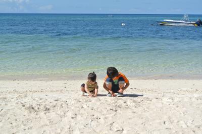 フィリピン1歳6歳子連れ旅 チョコレートヒルと田舎ビーチを楽しむボホール島