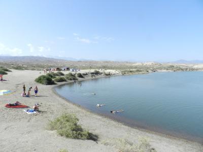 イシククル湖南岸紀行(4) キルギスの死海・トゥス・キョル湖