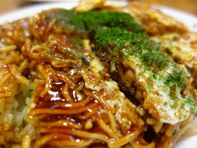 広島の晩飯。もちろん,お好み焼きです。本場もんは,やっぱ,うまい。