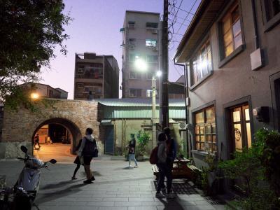 暮らすように旅する台南。信義街の宿老古石渡を拠点に食べ歩き(^^♪ その1