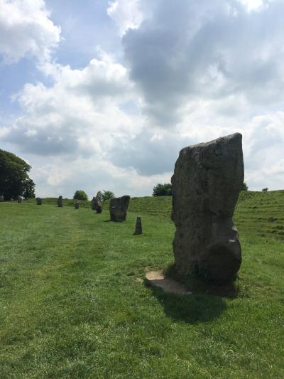 イギリス:UK2014-Wiltshire(ウィルトシャー州)~ドイツでの結婚式からハネムーンイギリスへ⑪ セントマイケルズレイラインの旅-6 エイヴベリー(Avebury)、シルベリーヒル(Silbury Hill)、Waggon and Horses~