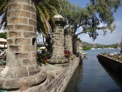 カリブ海に浮かぶ小さな国アンティグア・バーブーダを訪れた。