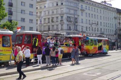 ウィーンに行ったらレインボーパレードでリンク内のトラムが運休していた