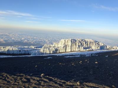 東アフリカ3ヶ国の旅(2) キリマンジャロ登山(マラングルート)