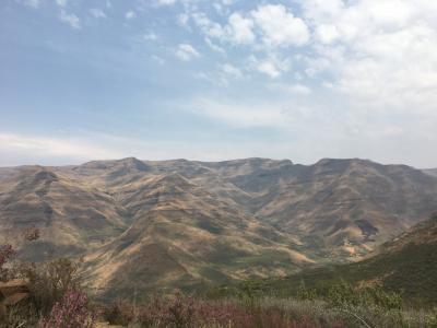 レソト王国 ~天空の王国へ~(ツェヒラニアネ国立公園)(ダルエスサラーム発着:エチオピア航空、AIRLINK)