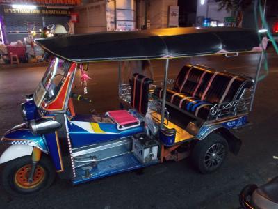 前代未○かも。2回目。。バンコク 随一の 日本人通りの 華やかな夜 ・・・(新 20の16)