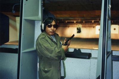 『戒厳令下のサンサルバドルの朝、アーミージャケットを発見されて小銃を突きつけられる』@サンサルバドル/エルサルバドル