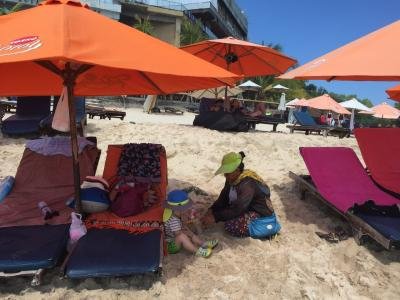 2016夏・1歳8ヶ月子連れでバリ島(ウンガサンエリア滞在4泊5日のビーチとご飯・ついでのウルワトゥ寺院)