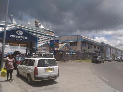 ロイヤルカリビアンで南太平洋をクルーズ⑥「スバへ上陸」港の近くでショッピング