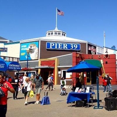 サンフランシスコのPIER39は毎日がお祭りのように賑やか(^^♪