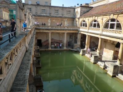 英国縦断8日旅(7)浴場の語源となった街世界遺産・バースと巨大石群ストーンヘンジ