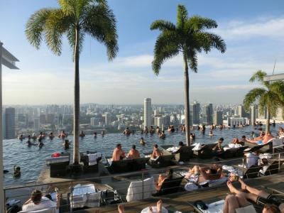 マリーナベイサンズのインフィニティプールに入りたくて!中国国際航空ビジネスで行くアラフィフ女2人旅inシンガポール【後半~1泊だけだけど天空のプールで大はしゃぎ!~】