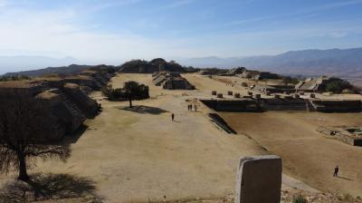2017新春のメキシコ その3~巨大な建造物が立ち並ぶモンテ・アルバン遺跡