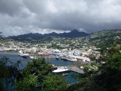 2016年末は南米ギアナ3国とカリブ海10日間の旅♪のはずが・・・(4)4ヶ国目のセントヴィンセントでも誰もいませ~ん(-_-;)