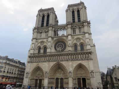 今月(2月)の旅行は、パリの街を散策とオペラ座へ