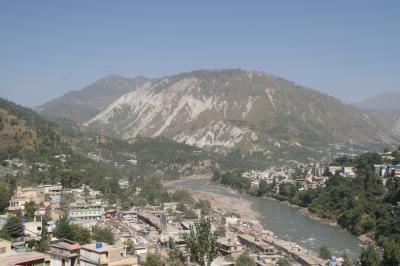 パキスタン北部大地震被災地
