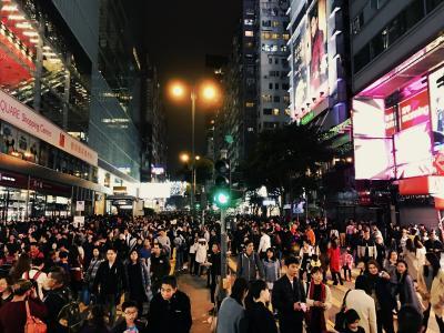 2016年クリスマス・乳児連れ(2才)香港旅行②イブのネイザンロードは歩行者天国(^^♪