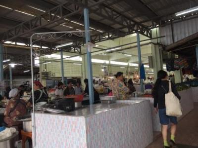 スコータイの昼食&市場見学の後、カンペーン・ペへ