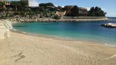 透き通る海のモナコ公国へ