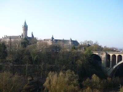 【2009年春】春先のヨーロッパ【その2】崖の上、天然の城壁に囲まれた街
