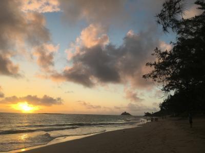 ALOHA! HAWAII家族旅 6日目 やっぱり好き オアフ島 その⑦ カイルアビーチのサンライズとカヌーサーフィン