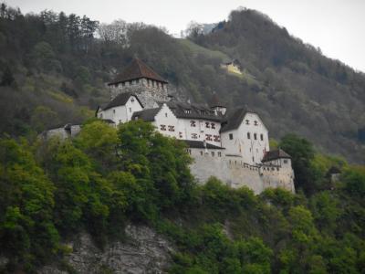 サクッと4日の休みでスイス、リヒテンシュタインを駆け足で①(ファドゥーツ)=2017年5月