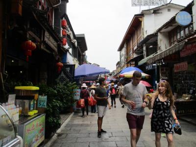 GWは中国 桂林・龍勝へ 楽々団体旅行 3日目 ② 陽朔 西街散策