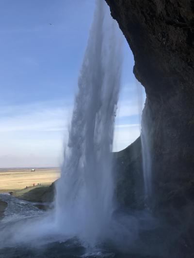 アイスランド3 南部へ 滝から見る青空