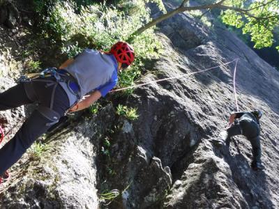 広沢寺で登山靴岩トレ