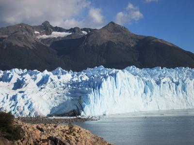 アルゼンチン 「行った所・見た所」 南部パタゴニアのロス・グラシアス国立公園でペリトモレノ氷河見物