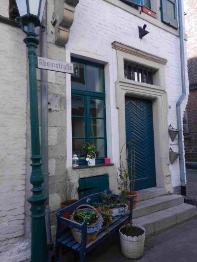 デュッセルドルフ、ケルン近郊の城壁に囲まれた町 ツォンス Zons
