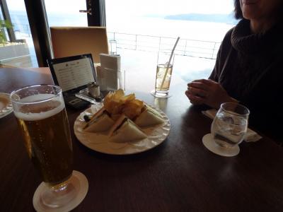 冬の終わりの熱海1泊 東急ハーヴェストクラブ熱海伊豆山&VIALA 眺望テラスからの眺め Oli-va(オリーヴァ) のラウウンジコーナーの昼食
