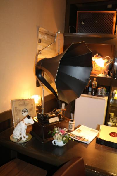 名古屋でクラシカルな喫茶店を発見・『蓄音機カフェ エヂソン』